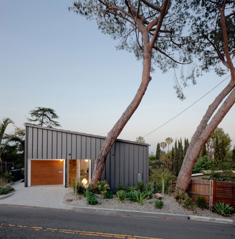 BIG-small-House-03-800x813