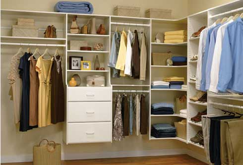 closet-organizers-woman