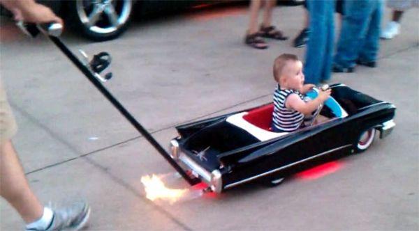 custom_cadillac_baby_stroller_aqhfd