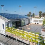 แบบบ้านอนุรักษ์พลังงาน ชั้นเดียวตกแต่งเรียบง่าย ใช้พลังงานแสงอาทิตย์
