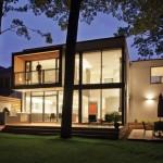 รูปแบบบ้านทรงโมเดิร์นสองชั้น ให้ความสงบเป็นธรรมชาติ เหมาะแก่การพักผ่อน