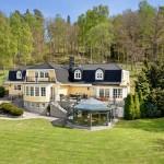 แบบบ้านสองชั้น สวยคลาสสิคสไตล์สแกนดิเนเวียน ดูหรูหราและน่าอยู่