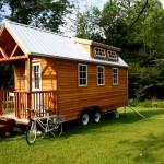 แบบบ้านทรงกระท่อมไม้หลังเล็กน่ารัก แต่สิ่งอำนวยความสะดวกครบครัน