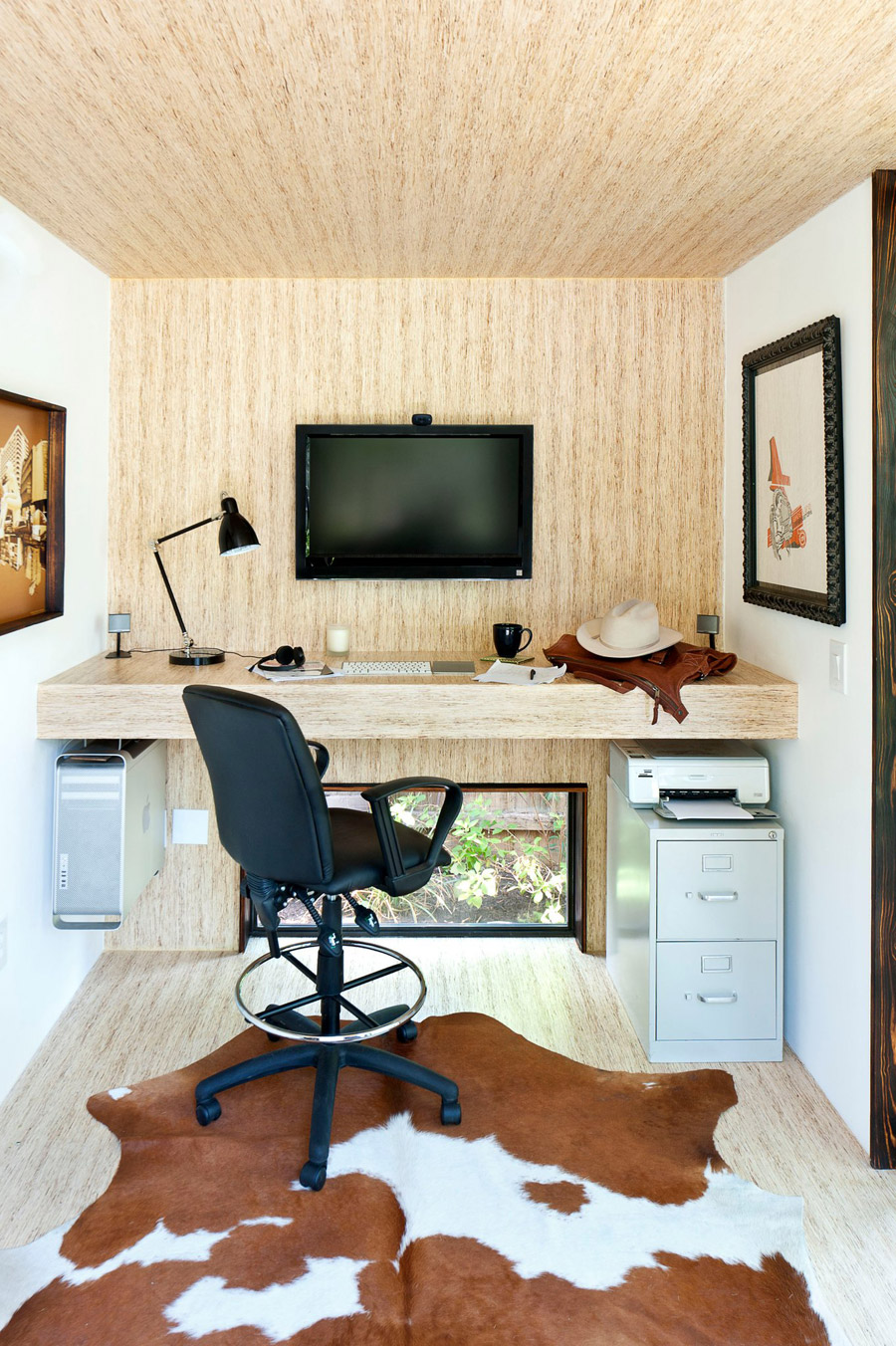 tiny modern home office (1)