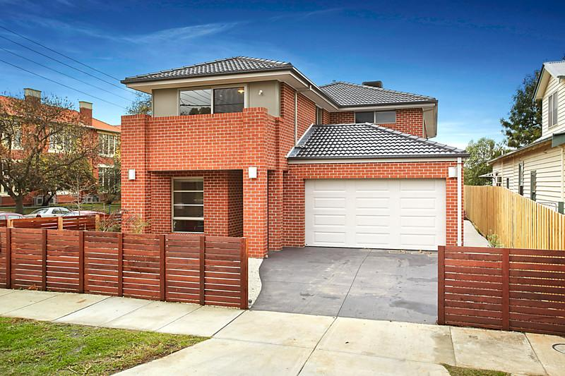 classic brick house 5 bedrooms (3)