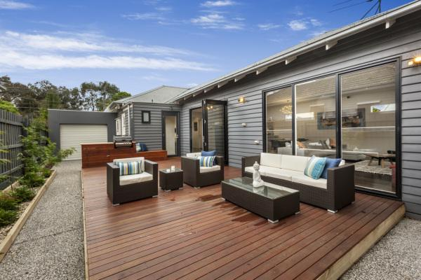 contemporary cottage house garden (3)