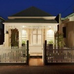 แบบบ้านทาวน์เฮาส์ ตกแต่งภายนอกได้วินเทจน่ารัก ภายในสร้างสรรค์สวยงาม