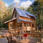 บ้านพักตากอากาศ ออกแบบเป็นบ้านไม้สองชั้น หลังคาทรงหน้าจั่วดูมั่นคง