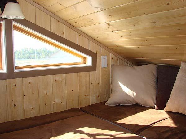 mini wood cottage living house (13)
