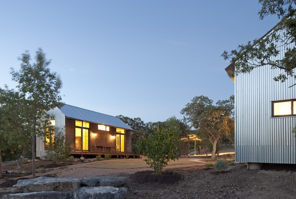 modern contemporary metal sheet house (5)