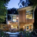 แบบบ้านไม้แนวโมเดิร์น เน้นความรู้สึกธรรมชาติที่โปร่งสบาย น่าอยู่อาศัย