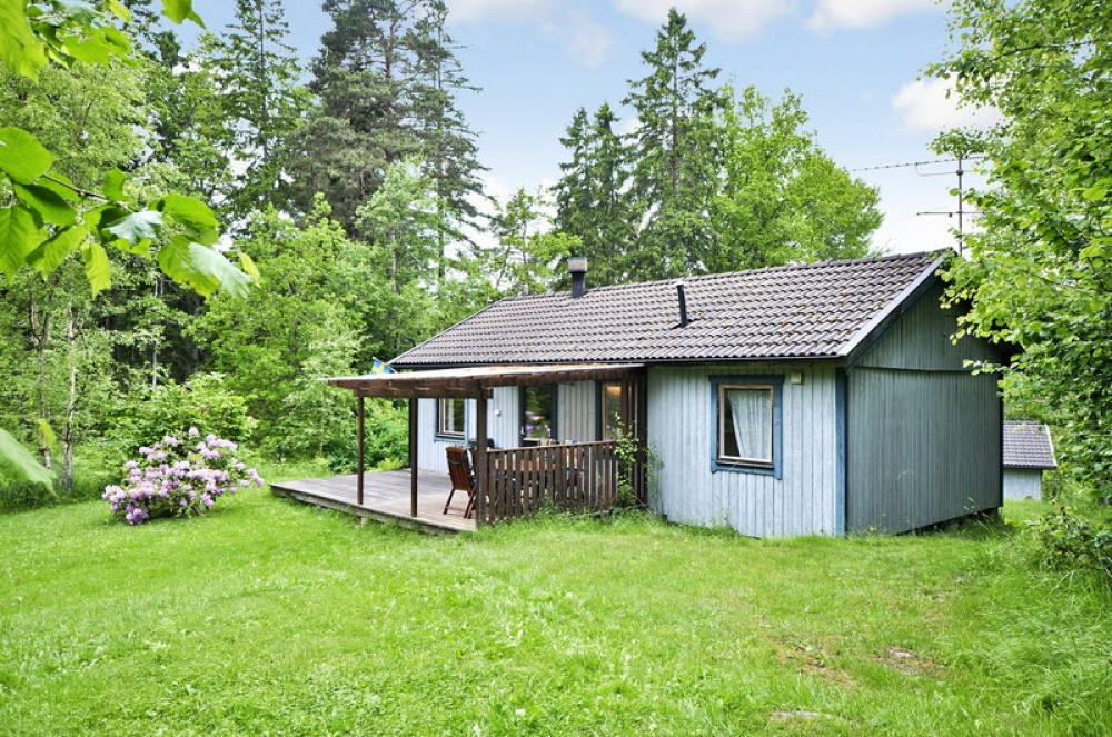 small cottage forest classic sweden naibann (7)