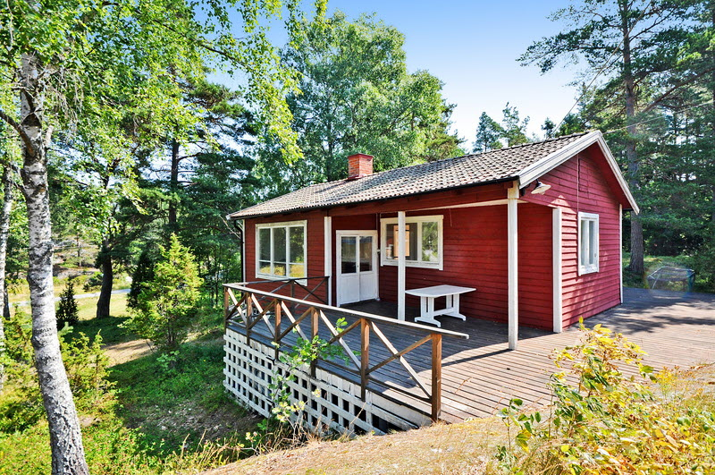 small cottage vintage wooden house (11)