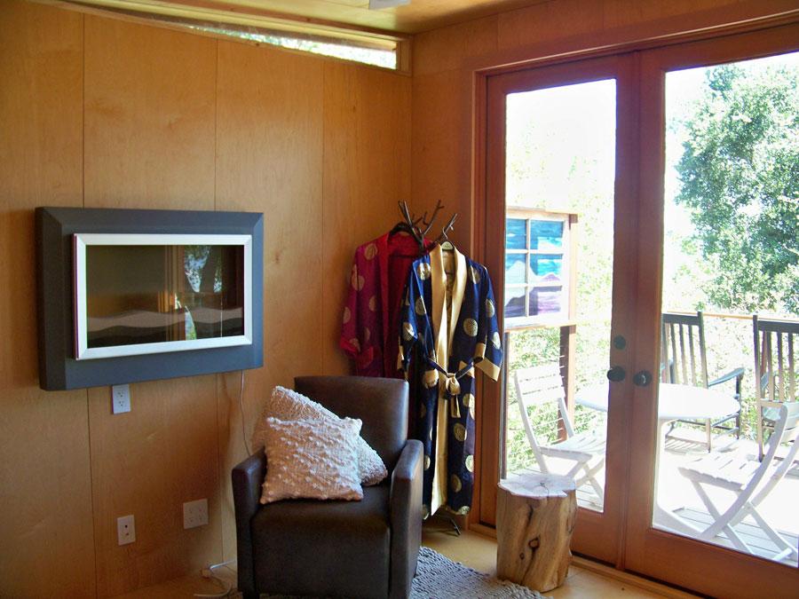 small modern cabin 14 sq mt (3)