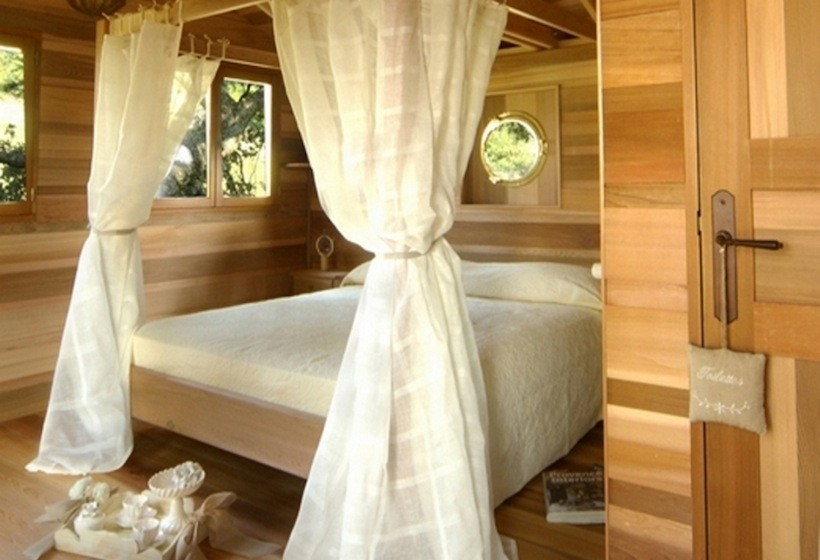small treehouse wooden cottage (4)