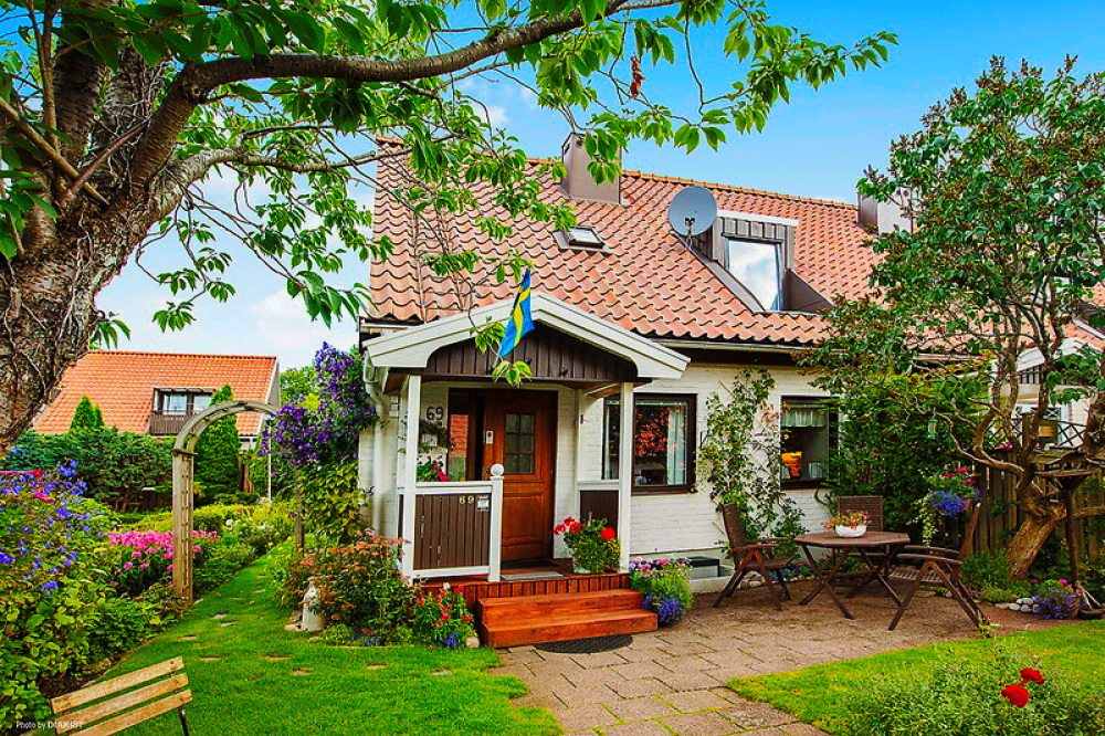 cottage-country-vintage-garden-house-beautiful-1
