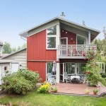แบบบ้านสองชั้นทรงหน้าจั่ว สร้างอย่างเรียบง่าย ในบรรยากาศดูเป็นธรรมชาติ
