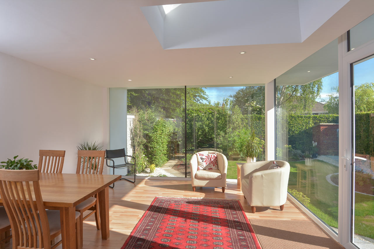 living room house with garden (14)