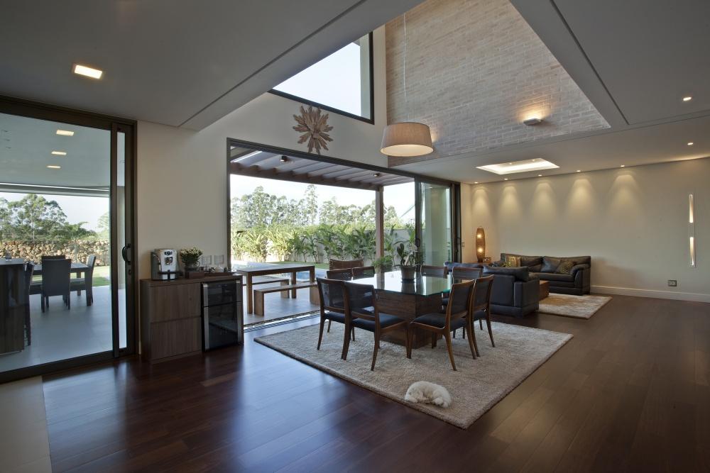modern concrete house serene swimming pool lawn (10)