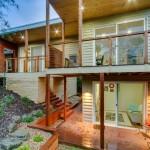 แบบบ้านไม้สองชั้น ออกแบบทรงใต้ถุน ตกแต่งแนวโมเดิร์นสวยงามทันสมัย