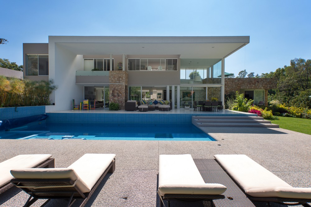 modern vacation house swimming pool (2)