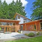 บ้านไม้สไตล์โมเดิร์น ออกแบบโปร่งอยู่สบาย เน้นการประหยัดพลังงาน