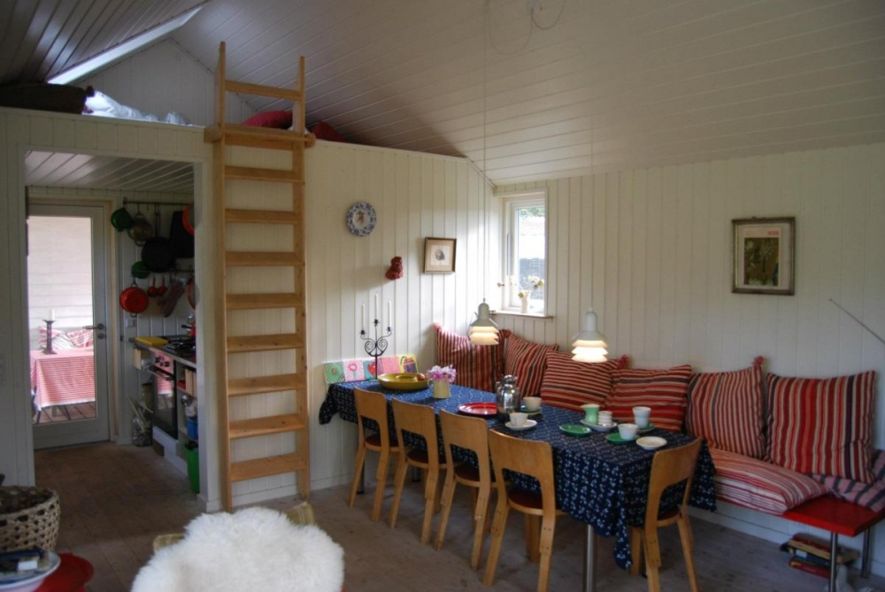 small cottage house (7)