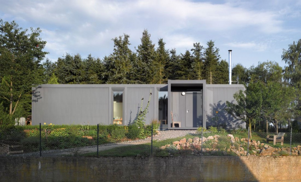 container house natural environment green (4)
