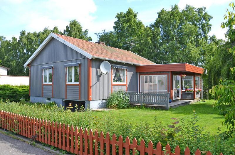 cottage modern house grey orange green nature lawn yard (1)