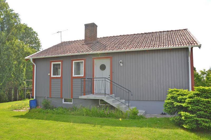 cottage modern house grey orange green nature lawn yard (16)