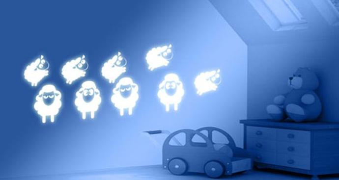 glow bedroom decoration idea (8)