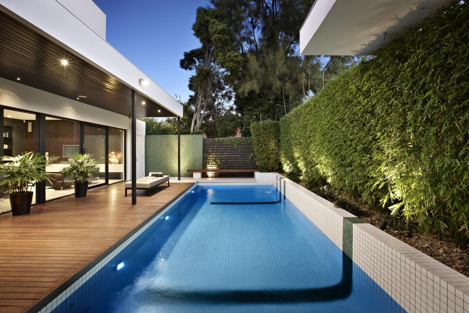 modern house with natural environment swimming pool in city (11)