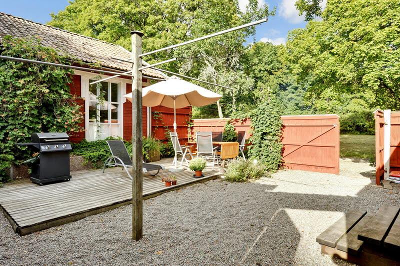 red wooden cottage house green garden (11)