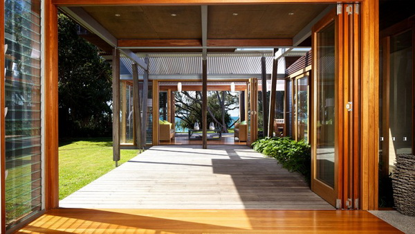 vacation wood glass house for environment (10)