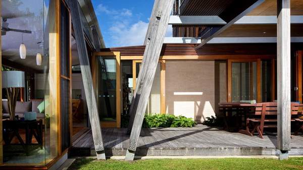 vacation wood glass house for environment (5)