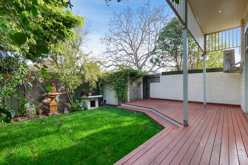 wooden cottage vintage white house garden frontyard backyard (9)