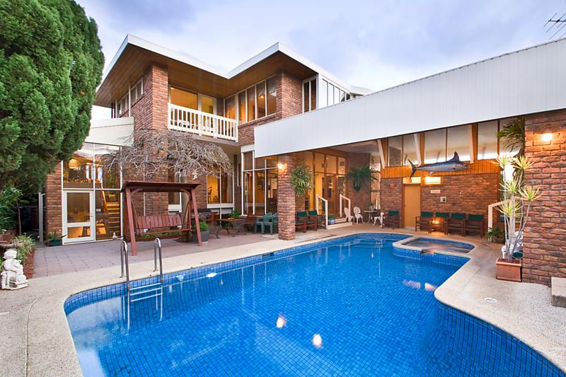 classic contemporary brick modern house swimming pool (15)