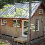 แบบบ้านกระท่อมไม้สุดคลาสสิค ขนาดบ้านเล็กน่ารัก สำหรับพักผ่อนในธรรมชาติ