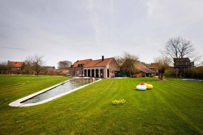 farmhouse turn into modern house (1)