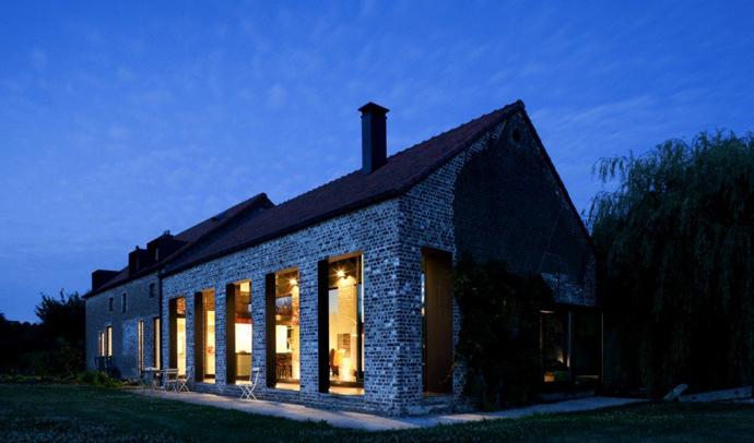 farmhouse turn into modern house (14)