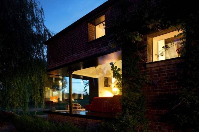 farmhouse turn into modern house (9)