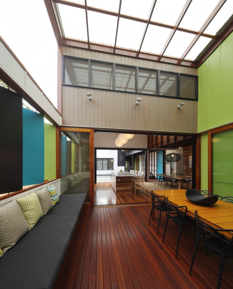 modern house design in australia black white wood (4)