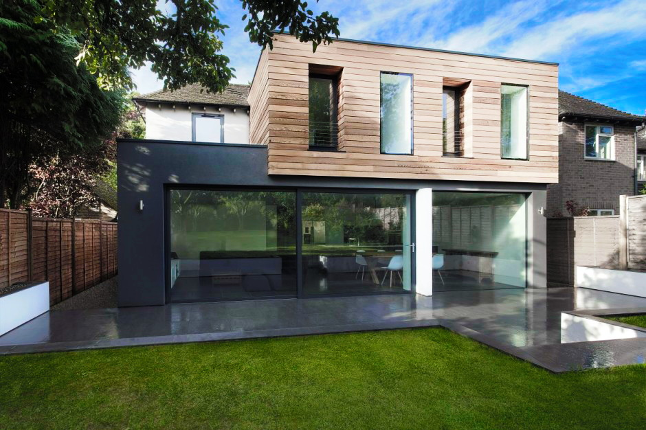 modern-monotone-house-in-city-with-garden-8