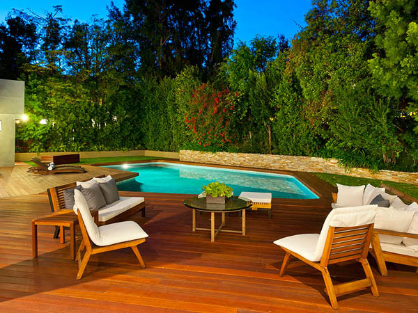 modern tropical contemporary house in los angeles with garden tree swimming pool (13)