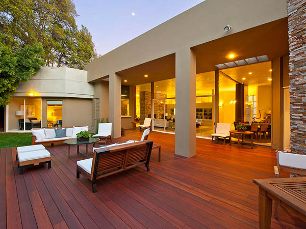 modern tropical contemporary house in los angeles with garden tree swimming pool (20)