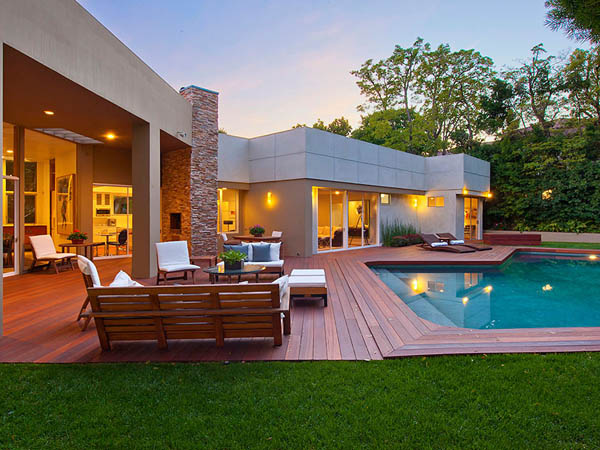 modern tropical contemporary house in los angeles with garden tree swimming pool (3)