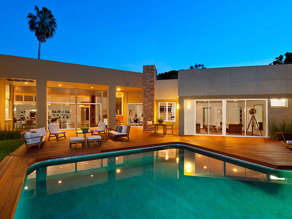modern tropical contemporary house in los angeles with garden tree swimming pool (5)