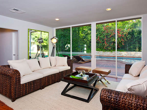 modern tropical contemporary house in los angeles with garden tree swimming pool (9)