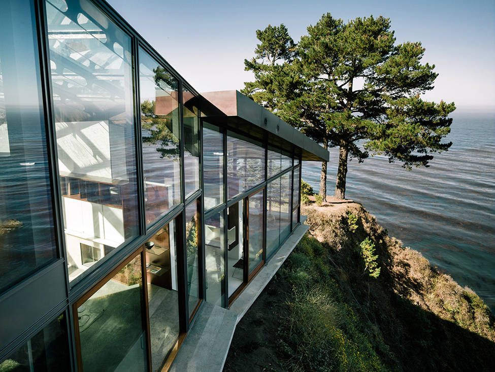 modern wood glass house cliff sea view (13)