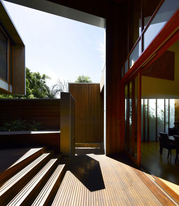 modern wooden house with yard in city (10)